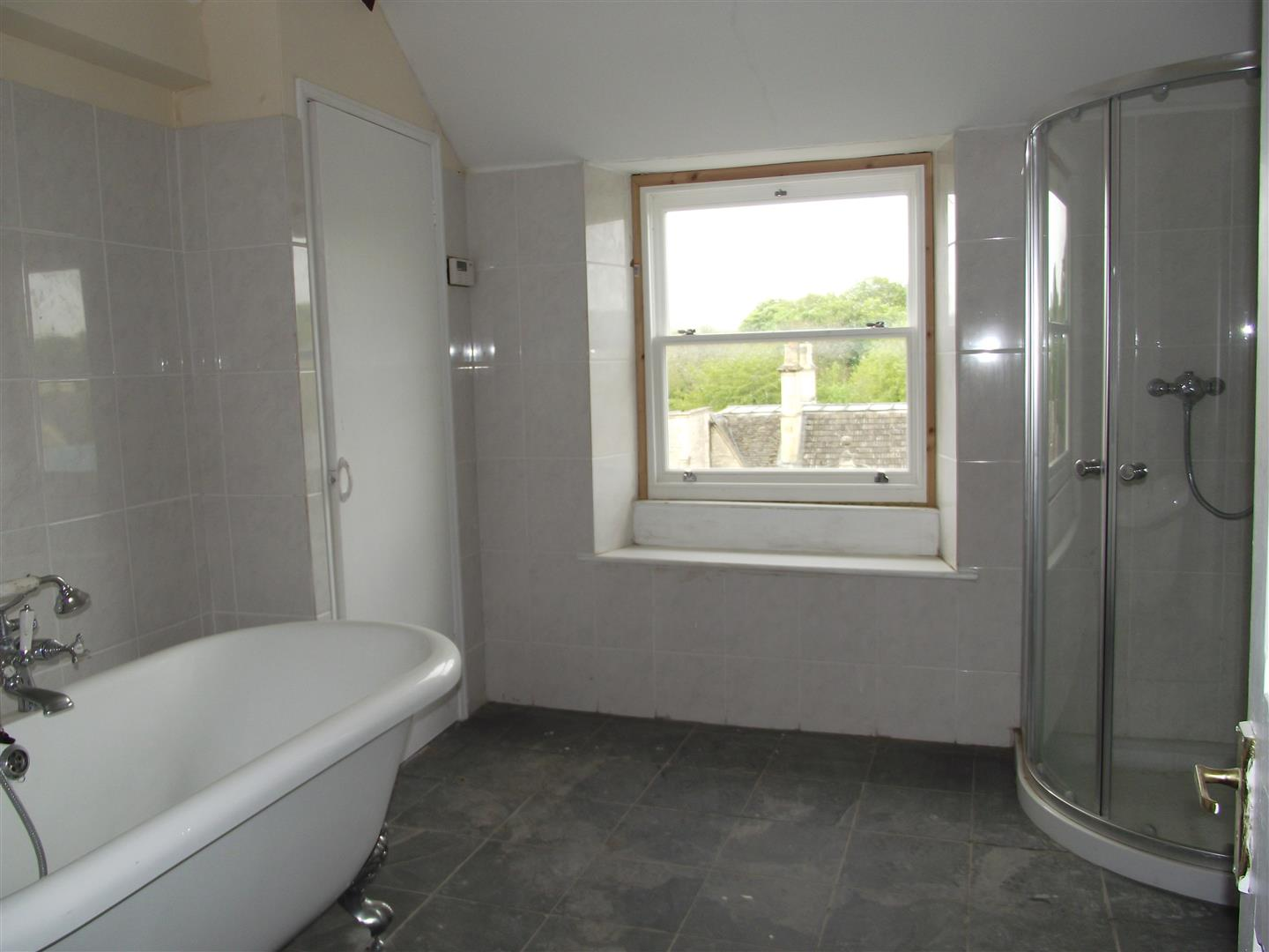 3 Bedrooms Flat for sale in Church Street, Calne